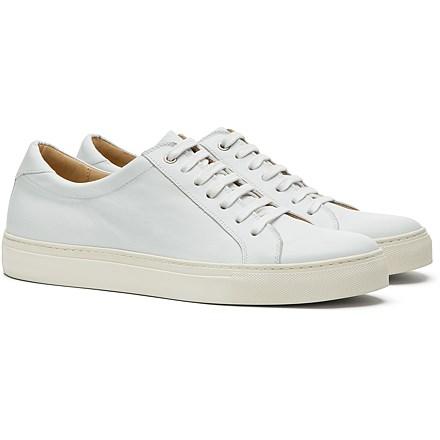 White_Sneakers_FW162198